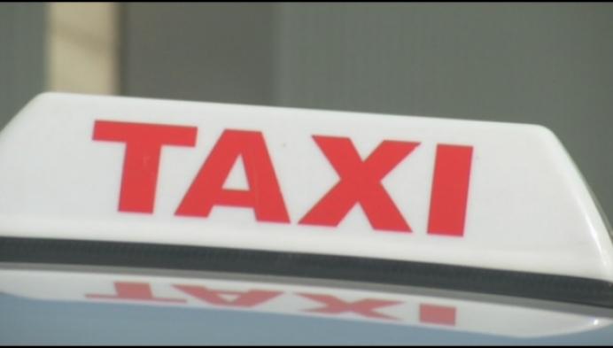 Taxibedrijven passen wagens aan maar klanten blijven weg