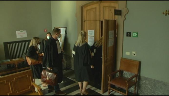7 verdachten Albanese drugsbende blijven in  cel