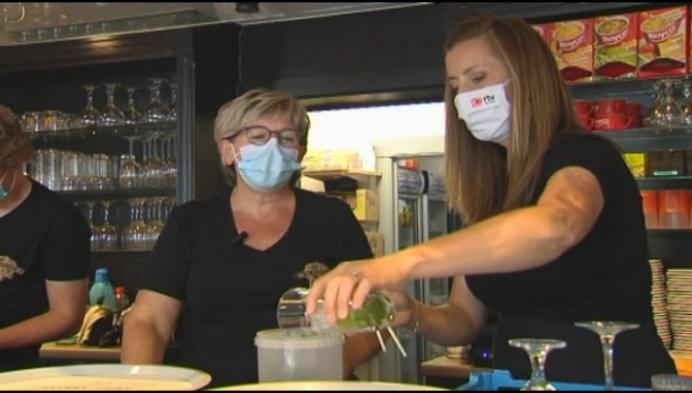 """RTVHelpt op café in De Staminéé: """"Ik hou van mijn klanten"""""""