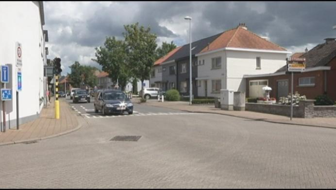 Bornem gaat verkeerslichten kruispunt Barelstraat opnieuw inschakelen