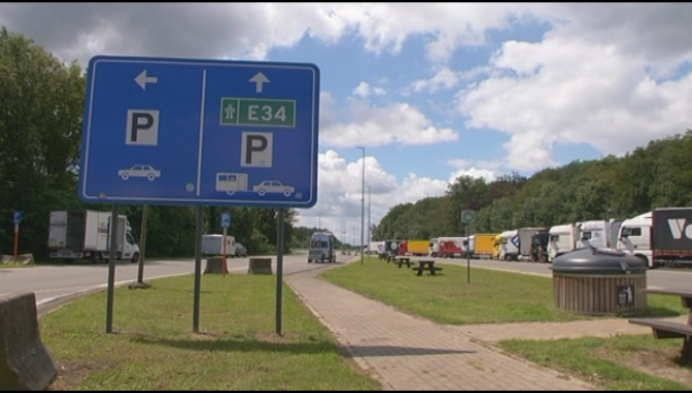 Lille vraagt private bewaking op snelwegparking E34