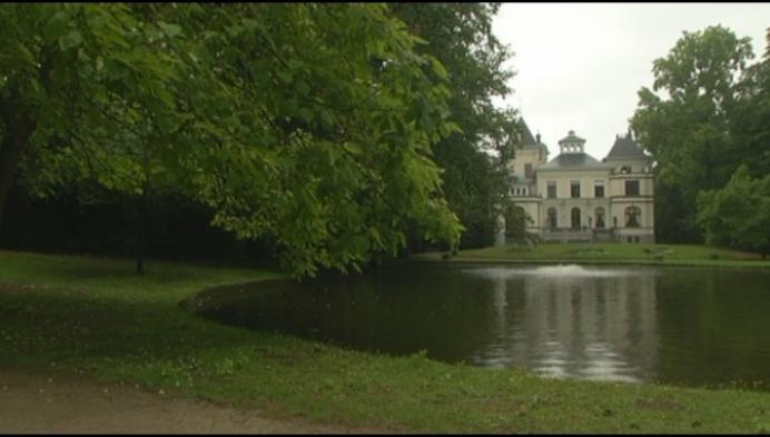Grondige schoonmaakbeurt voor vijver Tivolipark en ringgracht
