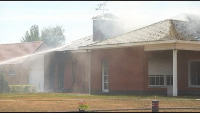 Huis in Westmeerbeek onbewoonbaar door brand