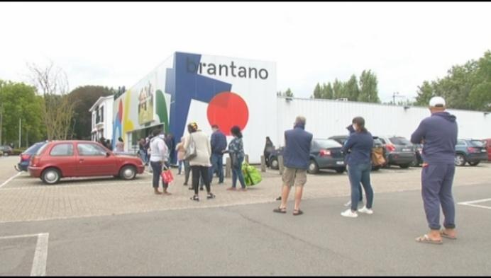 Burgemeester sluit de twee Brantano-winkels in Mechelen
