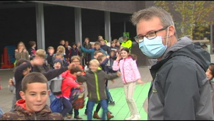 Vanaf vandaag mondmaskerplicht aan schoolpoort