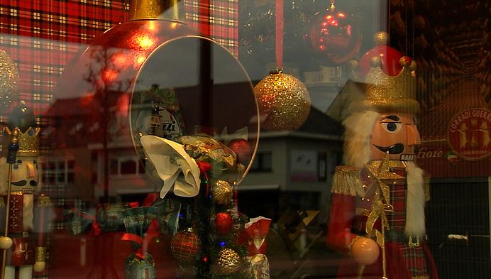 Italiaanse traiteurzaak maakt 'Britse' kerstetalage