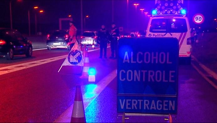 Politie betrapt vermoedelijke drugsdealer en koperdieven achter stuur