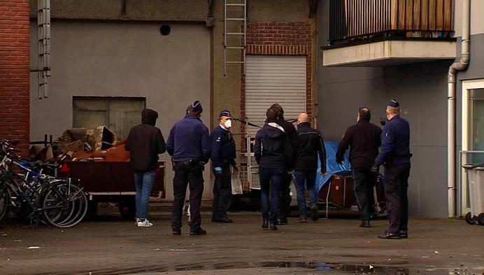 """Politie valt binnen bij oud hotel: """"levensgevaarlijke situatie"""""""