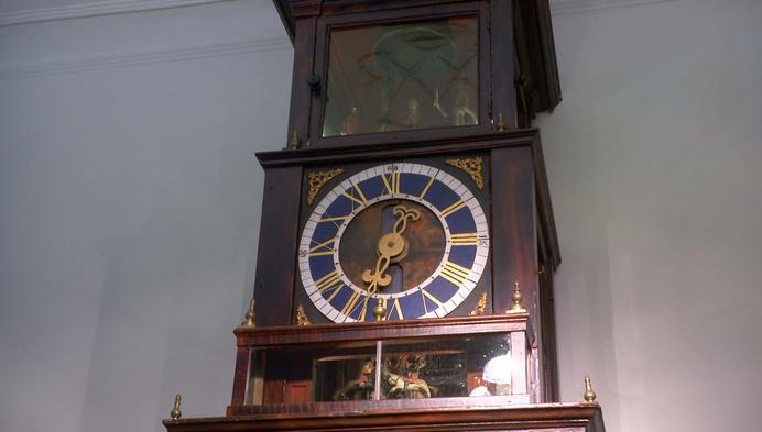 Unieke eeuwenoude klok tikt weer in Gasthuismuseum