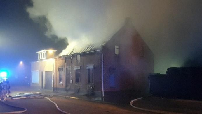 Woning brandt uit in Noorderwijk: 57-jarige man zwaargewond