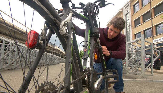 Dief met geweten: wielen mountainbike gestolen maar andere in de plaats