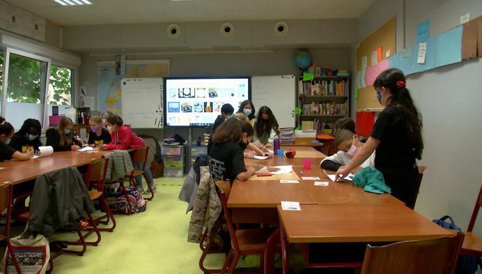 Basisschool Lyceum viert laatste schooldag met brieven en schatkist