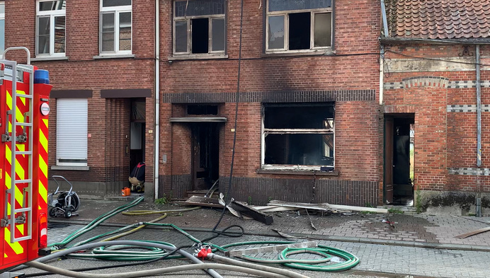 Woning brandt uit in Olmen