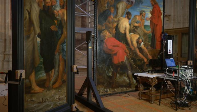 Röntgenstralen leggen herwerkingen Rubens-drieluik bloot